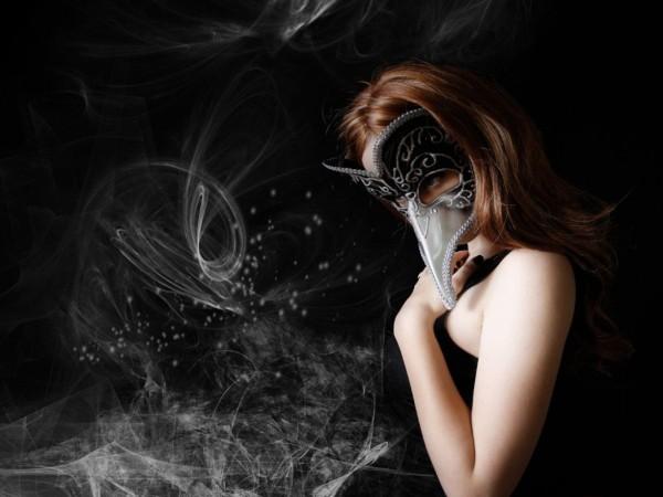 gothic_mask_girl